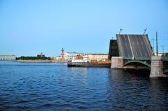晚上彼得斯堡俄国圣徒白色 库存照片