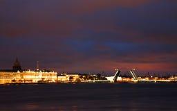 晚上彼得斯堡圣徒白色 免版税图库摄影