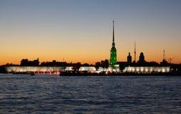 晚上彼得斯堡st白色 免版税图库摄影