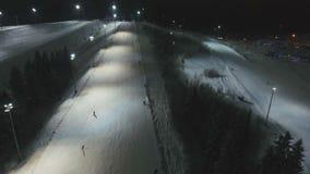 晚上手段滑雪 鸟瞰图 影视素材