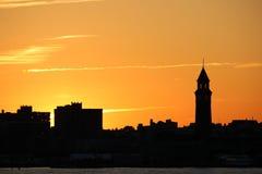 晚上日落在曼哈顿 免版税图库摄影