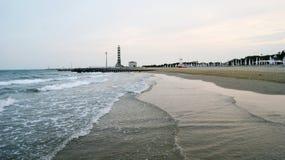 晚上海滩意大利 免版税库存照片
