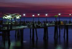 晚上码头 免版税库存图片