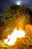 晚上篝火 库存图片