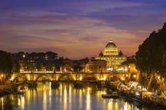 晚上罗马 圣伯多禄 免版税图库摄影