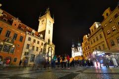 晚上老方形城镇 布拉格 cesky捷克krumlov中世纪老共和国城镇视图 免版税库存图片
