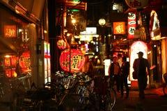 晚上胡同在大阪,日本 图库摄影