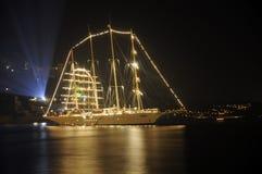 晚上船 库存照片