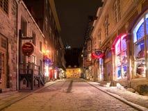 冬天街道老魁北克市 免版税图库摄影