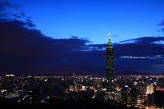 晚上视图101在台北 图库摄影