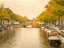 晚上阿姆斯特丹城市场面  免版税库存照片