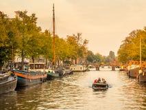 晚上阿姆斯特丹城市场面  库存图片