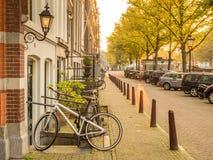 晚上阿姆斯特丹城市场面  免版税库存图片
