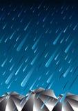晚上雨 皇族释放例证