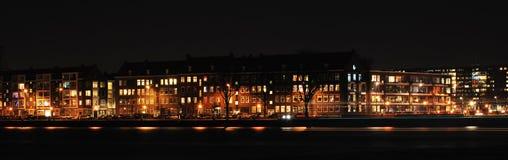 晚上鹿特丹地平线 免版税库存图片