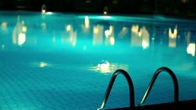 晚上水池 影视素材