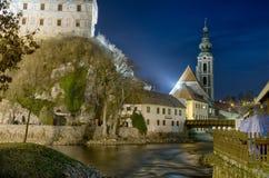 晚上Cesky Krumlov城堡 免版税库存图片