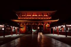晚上sensoji寺庙 免版税库存图片