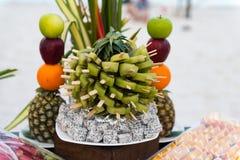 晚餐会的果子装饰 免版税图库摄影
