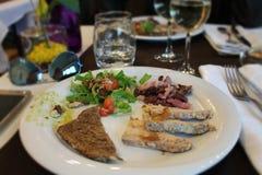 晚餐在餐馆在法国 免版税库存图片