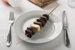 晚餐的巧克力shashlik 库存照片