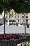 从晨曲卡罗来纳州庭院的罗马雕象在罗马尼亚 免版税库存照片