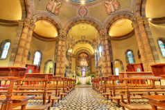 晨曲天主教教会内部意大利视图 免版税库存照片