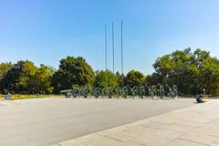 普列文,保加利亚- 2015年9月20日:在全景前面的大炮普列文叙事诗1877在市普列文 库存图片