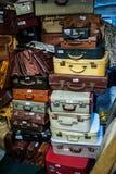 普利茅斯英国葡萄酒手提箱 免版税库存照片