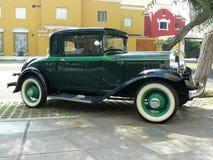 普利茅斯PA 3窗口小轿车在1932年生产了 图库摄影