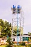 普吉岛,泰国- 2018年4月1日:地方钢储水箱塔,  库存照片
