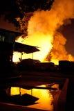 普吉岛,泰国10月16日:在大型商场的火-在肃北着火 免版税库存图片