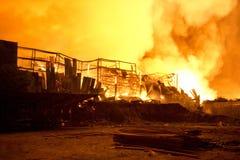 普吉岛,泰国10月16日:在大型商场的火-在肃北着火 免版税库存照片