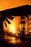 普吉岛,泰国10月16日:在大型商场的火-在肃北着火 库存照片