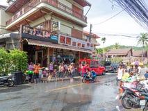 普吉岛,泰国- 2017年4月13日:泰国佛教新年的庆祝- Songkran 图库摄影