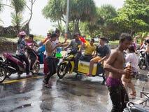 普吉岛,泰国- 2017年4月13日:泰国佛教新年的庆祝- Songkran 库存图片