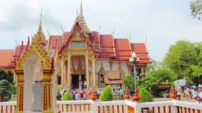 普吉岛,泰国3月9日2015年:WAT CHAITHARAM或Wat查龙寺庙 股票录像