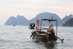 普吉岛,泰国- 1月05 :使海皮船2015年1月05日的游览小船亚洲环境美化 免版税图库摄影