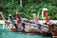 普吉岛,泰国- 1月05 :使海皮船2015年1月05日的游览小船亚洲环境美化 库存图片