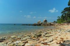 普吉岛,泰国-狂放的离开的海滩 免版税图库摄影