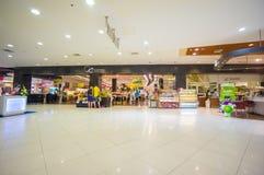 普吉岛, 2014年5月22日:中央节日一楼用食物m 免版税库存照片