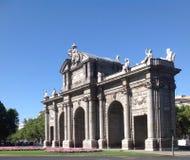 普埃尔塔de AlcalA? ¡ -新古典主义的纪念碑,马德里,西班牙 免版税库存图片