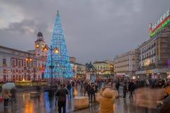 普埃尔塔del Sol广场,有一棵圣诞树的,在马德里 免版税库存图片