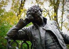 普希金纪念碑在圣彼得堡,俄罗斯 免版税库存照片