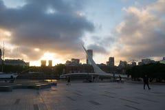 普恩特De在日落,布宜诺斯艾利斯,阿根廷的La Mujer 图库摄影