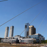 普恩特de在Puerto的la Mujer和摩天大楼 免版税库存图片