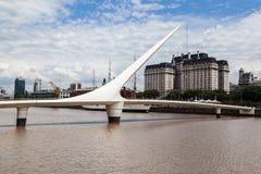 普恩特de la Mujer Bridge阿根廷 库存照片