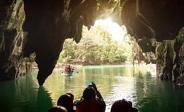 普林塞萨港巴拉望岛地下地下河在菲律宾 库存照片