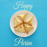 普珥节庆祝概念& x28; 犹太狂欢节holiday& x29; 传统hamantaschen曲奇饼 顶视图 图库摄影