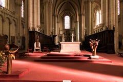 普瓦捷,法国- 2016年9月12日:教会的内部  免版税库存照片